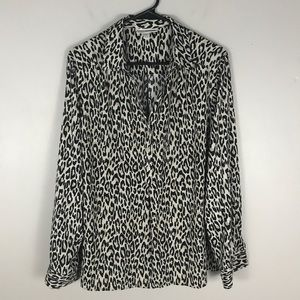 Dana Buchman XL Black leopard blouse button down